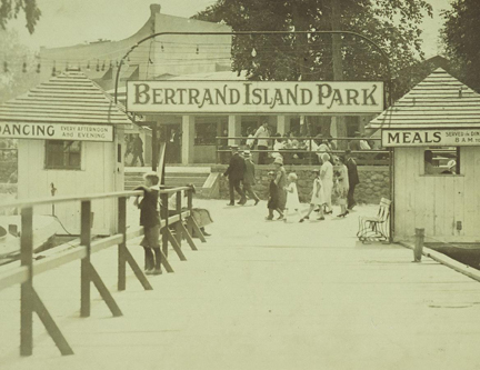 history1-bertrand_island
