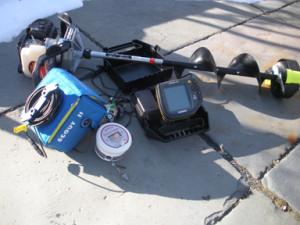 ice_fishing_-_equipment