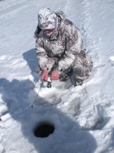 ice_fishing_-_jigging