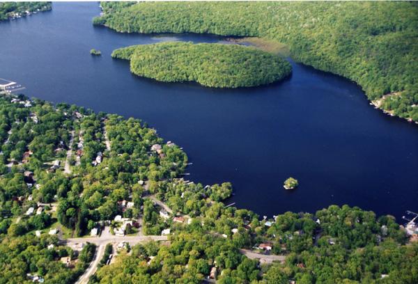 Liffy island aerialD146_72
