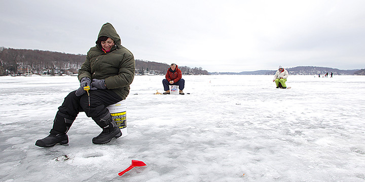 Frozen tundra where the fishing is fine lake hopatcong news for Pa ice fishing