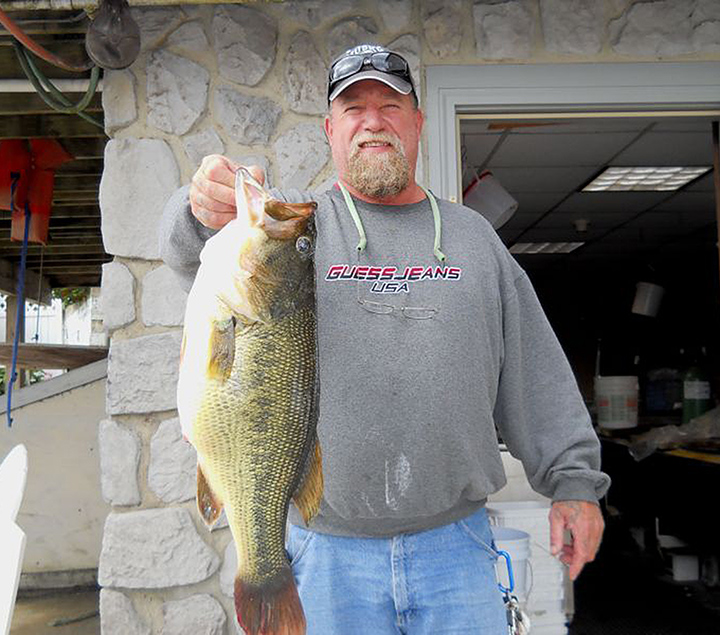 Annual knee deep club awards breakfast held saturday for Local bass fishing clubs